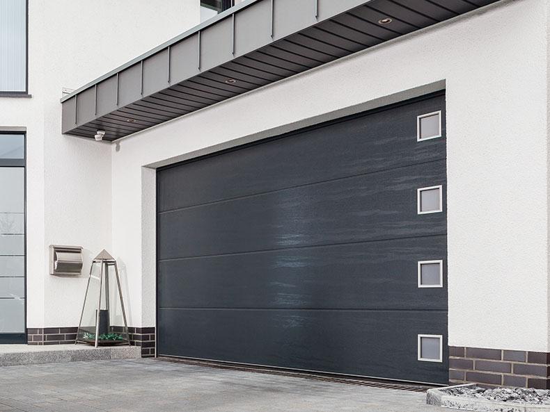 Garage sectionaldeur met glaselementen